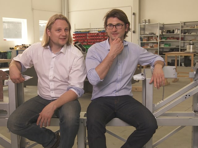 Die Erfinder des Systems Leo Meirer (li.) und Rupert Koch in ihrer Werkhalle.