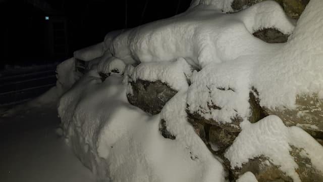 Frisch verschneite Landschaft im Appenzellerland.