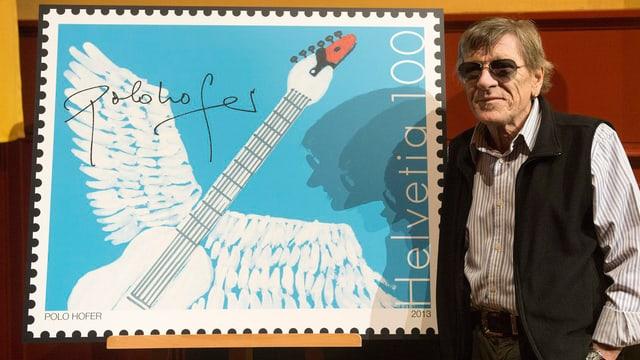 Polo Hofer mit seiner Briefmarke.