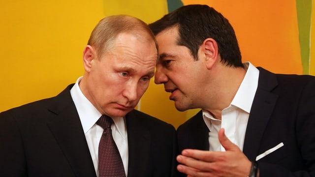 Putin e Tsipras discutan ensemen,
