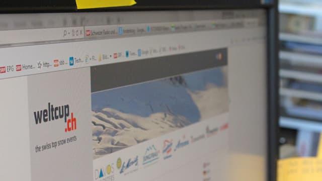 Computerbildschirm mit offener weltcup.ch Seite