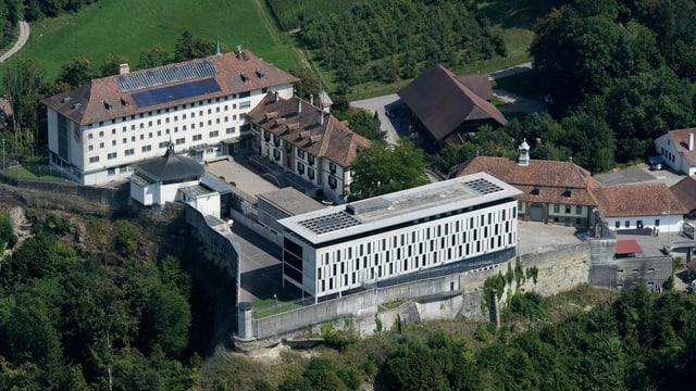 Luftbild der Strafansalt Thorberg im bernischen Krauchthal.