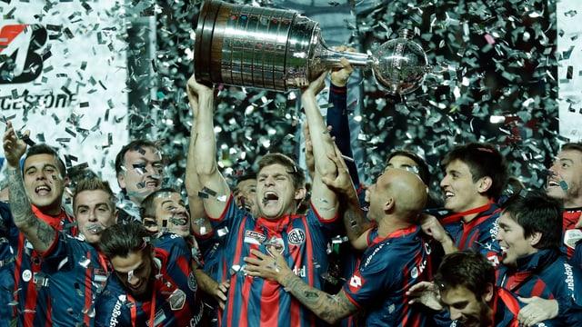 Spieler von San Lorenzo bei der Siegesfeier.