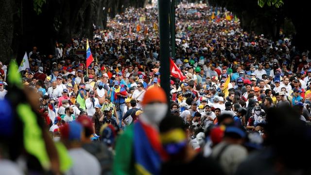 Massenproteste in der Hauptstadt Caracas.