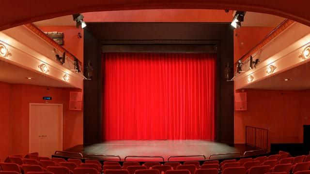 Der rote Vorhang im Stadttheater Biel