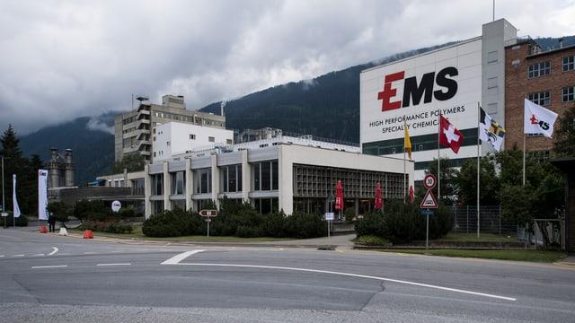 Edifizi da EMS a Domat.