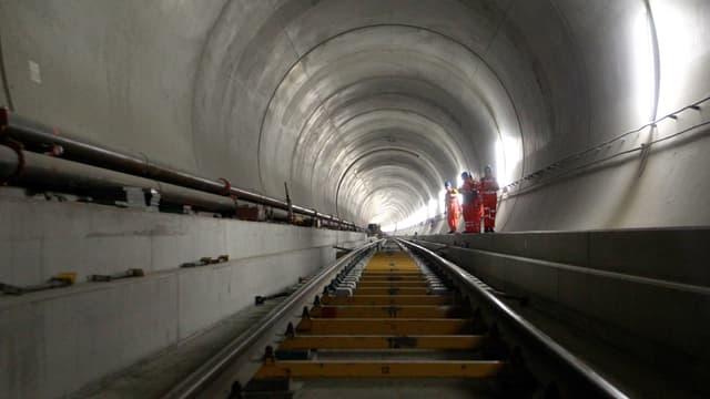Arbeiter im neuen Tunnel