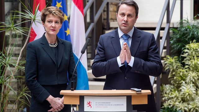 Il schef da regenza dal Luxemburg, Xavier Bettel cun la presidenta da la confederaziunSimonetta Sommaruga.