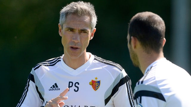 Sousa im engagierten Gespräch mit dem Assistenten.