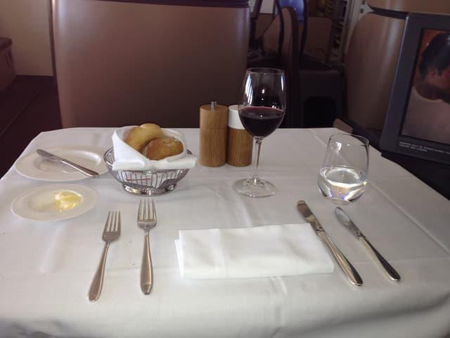Tisch in der First Class