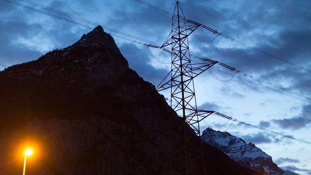 La finamira è ch'ils pajais ston tegnair a disposiziun damain reservas d'energia charas.