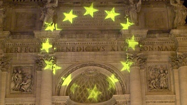 Das Europa-Symbol auf Stein projiziert.