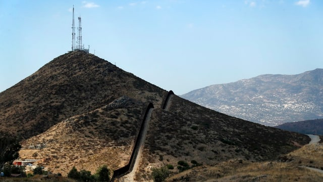 Die bereits befestigte Grenze zwischen den USA und Mexiko nahe der Stadt Tecate.