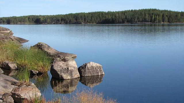 Typische Felsformationen im Saimaa See.