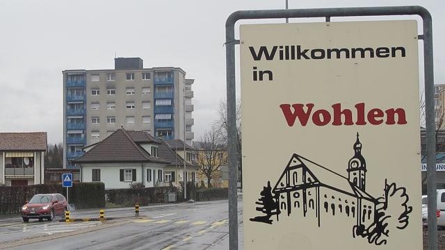 """Strassenschild """"Willkommen in Wohlen"""""""