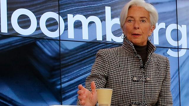 Christine Lagarde an einer  Veranstaltung auf dem WEF-Podium