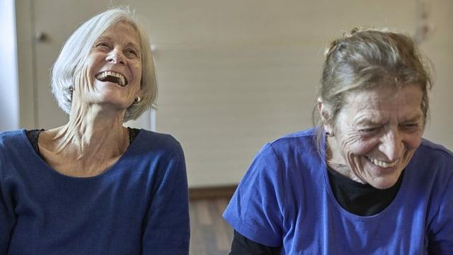 Seniorinnen einer Theatergruppe