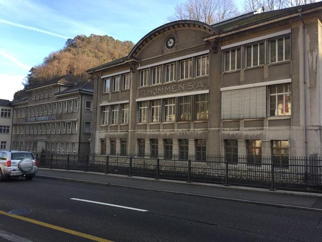 Fabrikationshallen der Revue Thommen in Waldenburg.