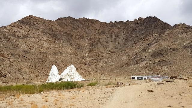 Künstlicher Gletscher in der Landschaft