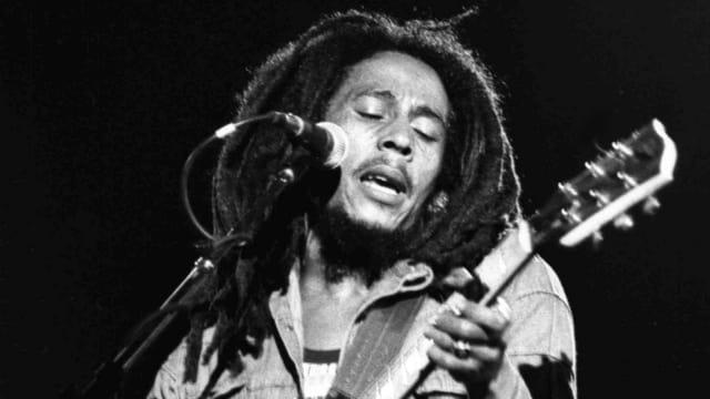 Bob Marley auf der Bühne.