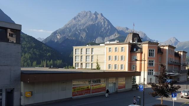 Ils Belvédère Hotels Scuol cumpran l'anteriur edifizi dal Coop.