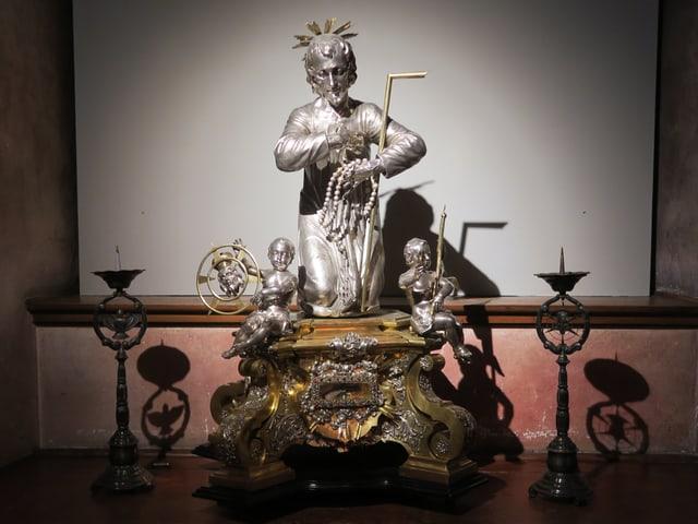 Diese Figur des Bruders Klaus aus dem 18. Jahrhundert retteten die Luzerner beim Franzoseneinfall in Beromünster vor den feindlichen Truppen. Die Franzosen hatten solche Kunstwerke des Silbers wegen einsammelten und einschmolzen.