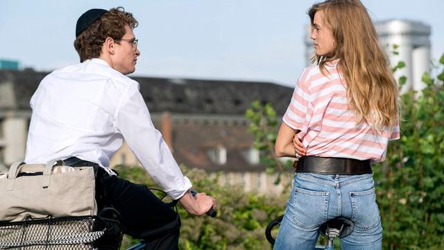 Joel Basman und Noémie Schmidt in der «Wolkenbruch»-Verfilmung.