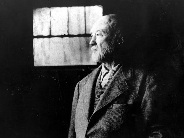 Ein Porträt von Charles Ives.