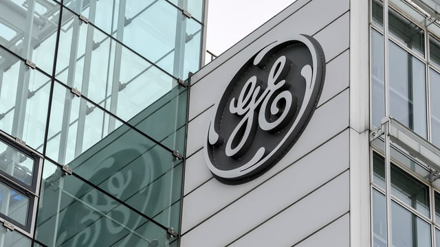 Il logo da General Electric vid in edifizi da l'interpresa.
