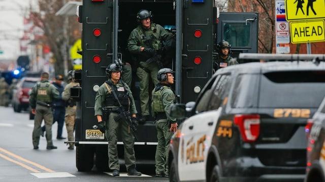 Spezialeinheiten der Polizei in Jersey City