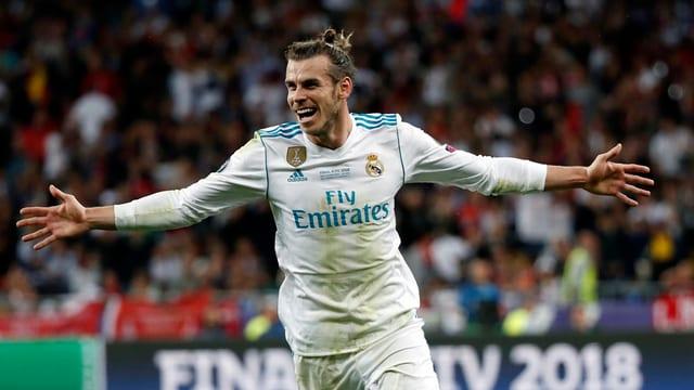 il ballapedist Garret Bale sa legra da ses gol decisiv