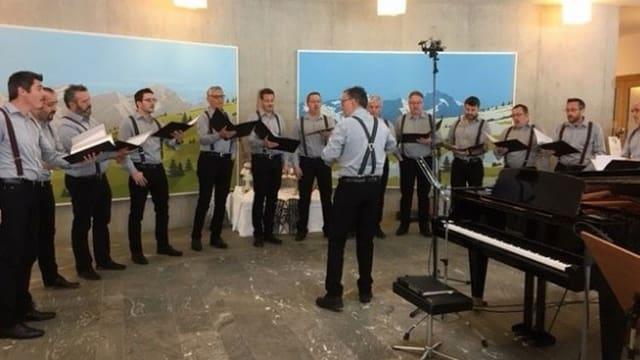 Sänger eines Chors bei einer Probe.