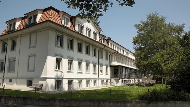 Aussenansicht des Spitals Riggisberg.