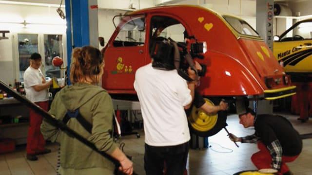 Video «Citroën 2CV vs. Opel Manta» abspielen