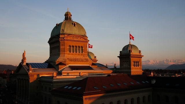 Das Bundeshaus in der Abendsonne.