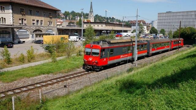 Ein Zug der Appenzeller Bahnen kurz vor der Zahnradstrecke Richtung Riethüsli.
