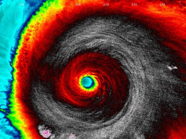 Naturgewalt in Infrarot: Der Kategorie-5-Sturm in einer NASA-Satellitenaufnahme.