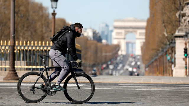 Velofahrer in Paris