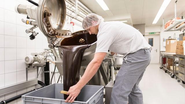 Produktionshalle der Läderach AG in Ennenda/GL