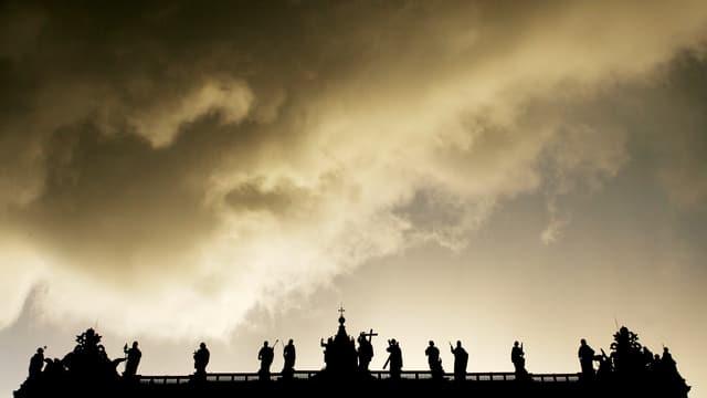 Blick auf den Vatikan, in der Abendsonne sind fast nur noch die Umrisse zu erkennen.