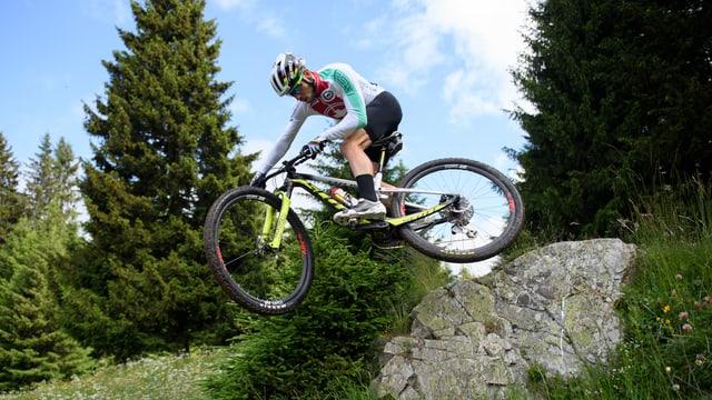 Nino Schurter sin ses mountainbike