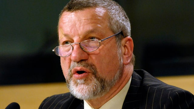 Aufnahme des ehemaligen Europol-Direktors Max-Peter Ratzel.