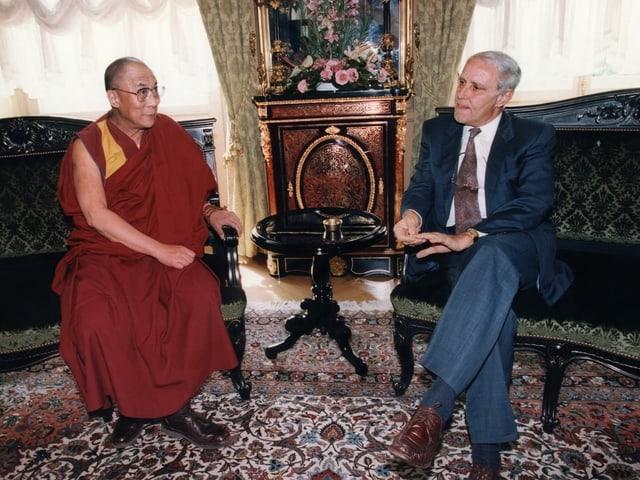 Cotti und Dalai Lama im Bundeshaus.