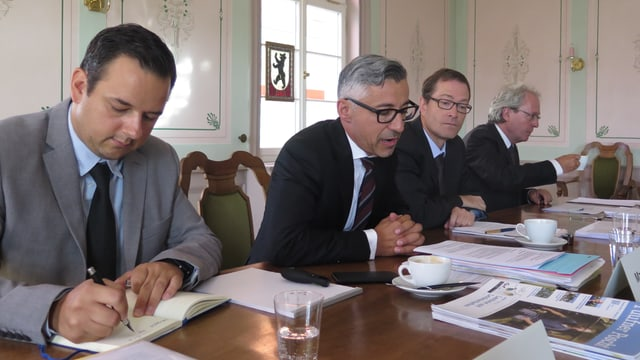Philipp Riedener, Gemeindeschreiber Teufen, Markus Bänziger, Gmeindepräsident a.i., Willi Staubli, GPK-Präsident und Markus Joos, Rechtsanwalt.