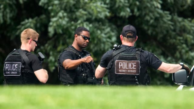 Mitglieder des Secret Service auf Patrouille.