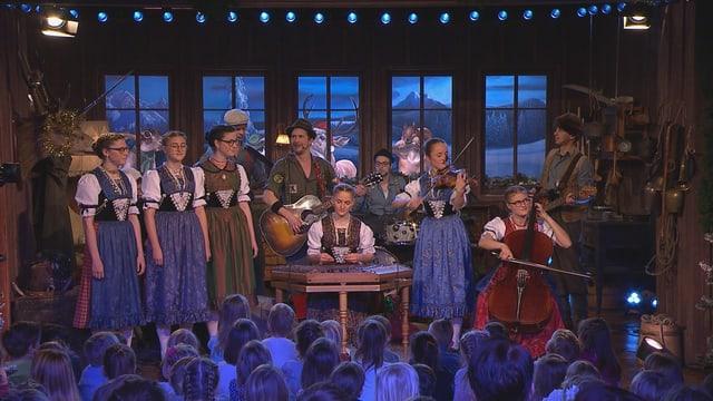 Video «Wiehnacht im Jägerwald mit Marius und die Jagdkapelle» abspielen