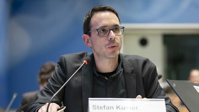 Stefan Kuster während einer Medienkonferenz.