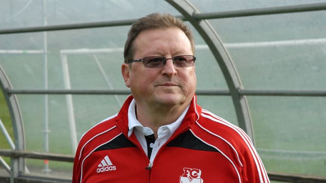 Porträt von Kurt Feuz, Trainer des FC Münsingen.