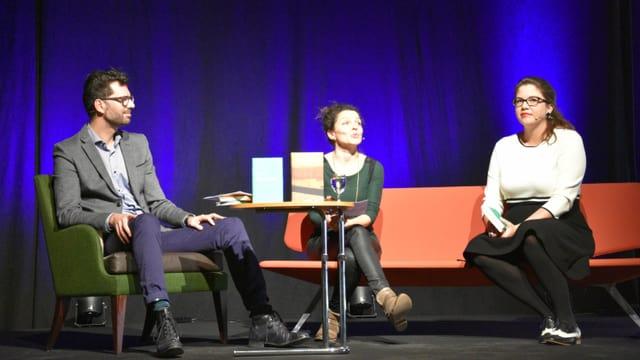 da sanester: Rico Valär, Bettina Vital e Nadina Derungs