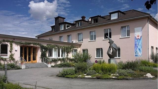 Lukas-Klinik in Arlesheim von aussen.